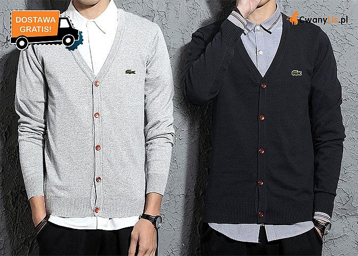 Stylowy, męski sweter Lacoste! Przyjemny w noszeniu i miły w dotyku zadowoli najbardziej wymagających amatorów mody